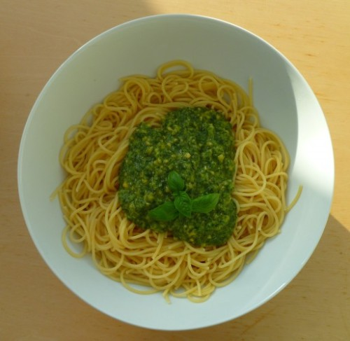 Pasta con pesto alla genovese