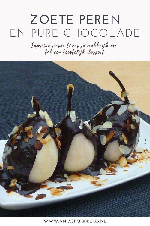 Een heerlijk maar bovenal makkelijk dessert van warme peren met chocoladesaus. Een bolletje vanille-ijs erbij maakt het compleet.  #recept #dessert #peren #chocoladesaus
