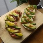 Brood met beleg en avocado