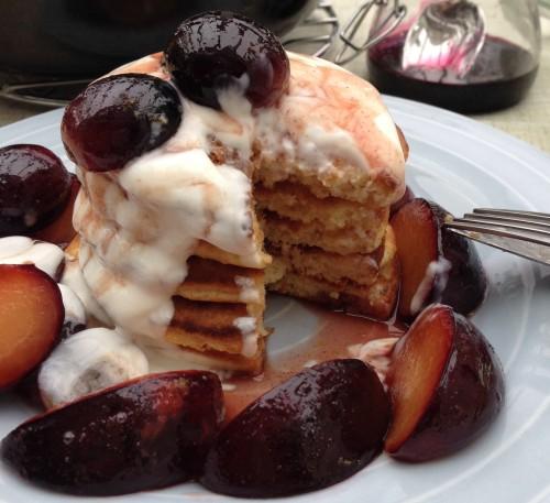 Pancakes met fruit en yoghurt