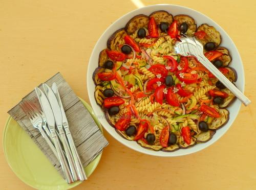 Pastasalade met gegrilde aubergine