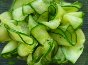 Superdunne plakjes komkommer
