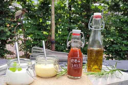 De lekkerste Barbecuesaus maak je gewoon zelf! Jij bepaalt hoeveel suiker je aan de saus toevoegt.