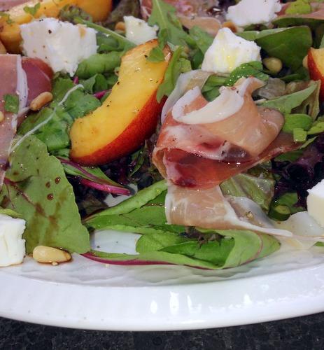 Salade met nectarine en feta (3)