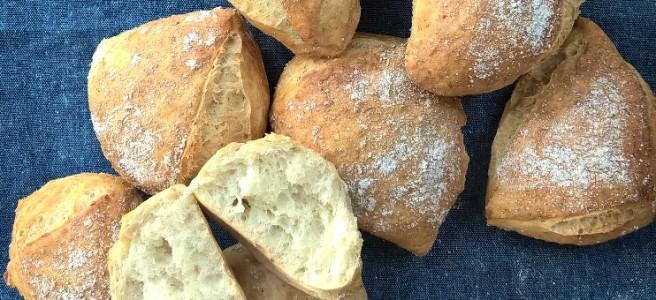 No Knead Broodjes