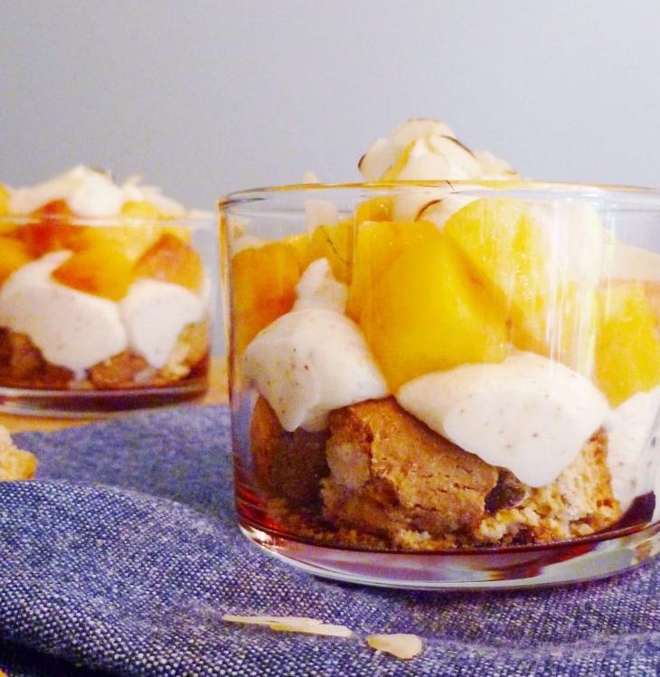 Amandel-perzik-dessert