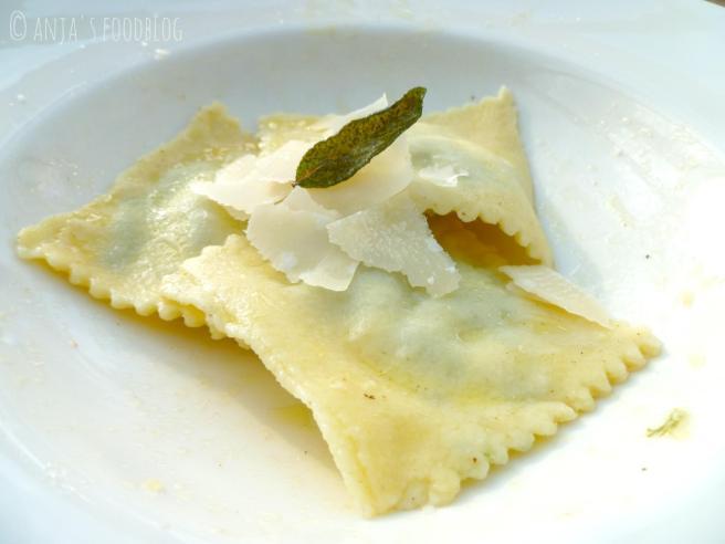 Ravioli met spinazie-ricottavulling
