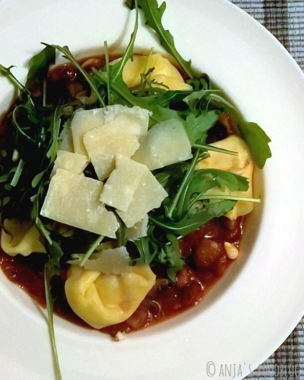 Gevulde pasta met champignonsaus