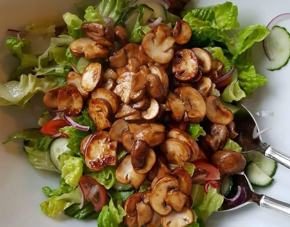 Thaise champignons salade
