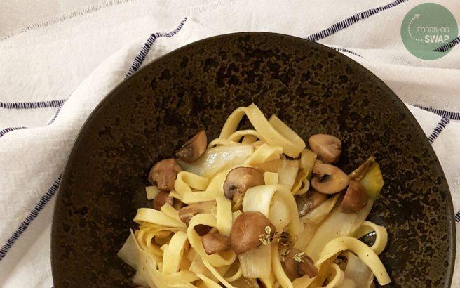 Tagliatelle met champignons en witlof
