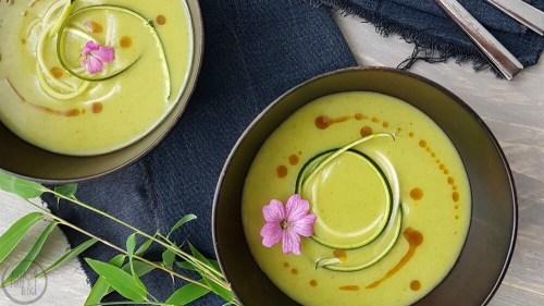 Courgettesoep met kerrie en kardemom