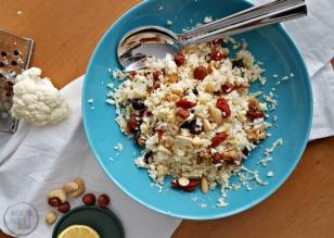Bloemkoolsalade met noten en tomaatjes