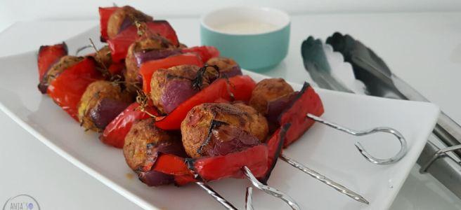 Spiezen met vegetarische gehaktballetjes