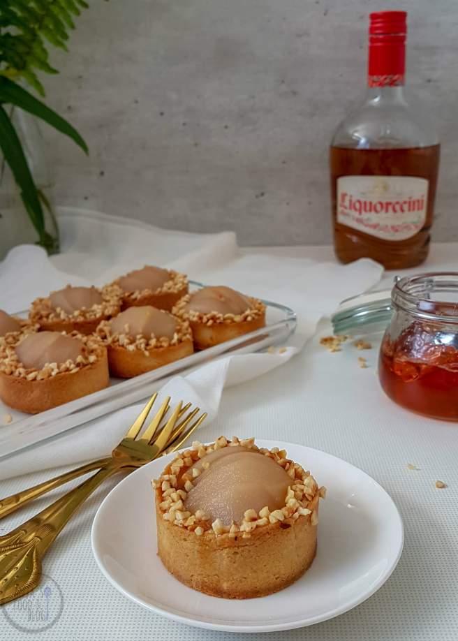 Kleine taartjes met stoofperen