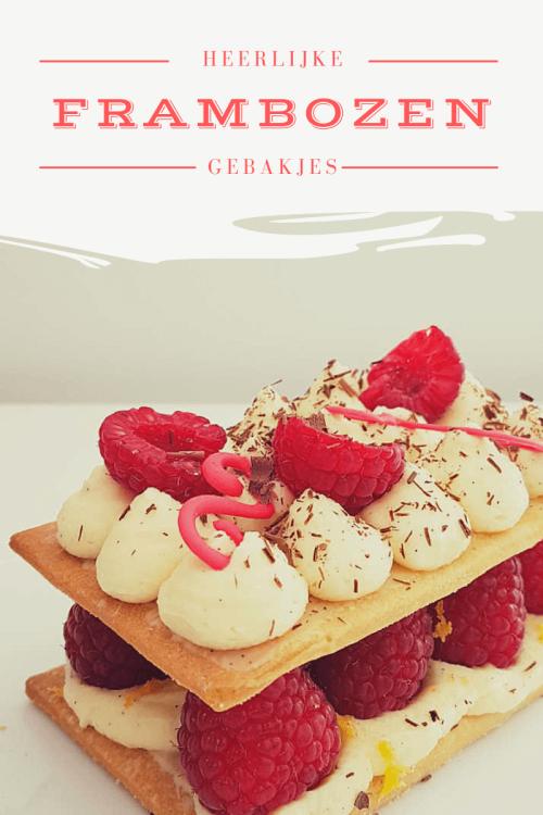 De basis van deze gebakjes met witte chocoladeganache en frambozen is een bros amandeldeeg. Daarop een laagje witte chocoladeganache en frambozen.  #recept #gebak #frambozen #chocoladeganache