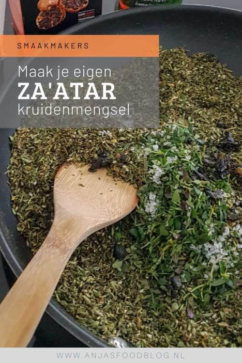 Za'atar zelf maken. Nu zijn er veel verschillende bereidingen van za'atar  kruidenmengsels, vaak in combinatie met sesamzaad en sumak. Ik geef je hier mijn favoriete smaakcombinatie.