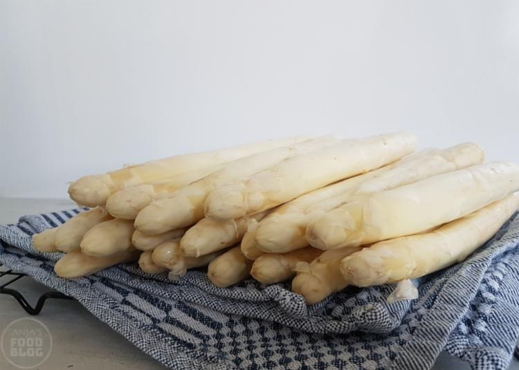 Basisrecept asperges koken of stomen