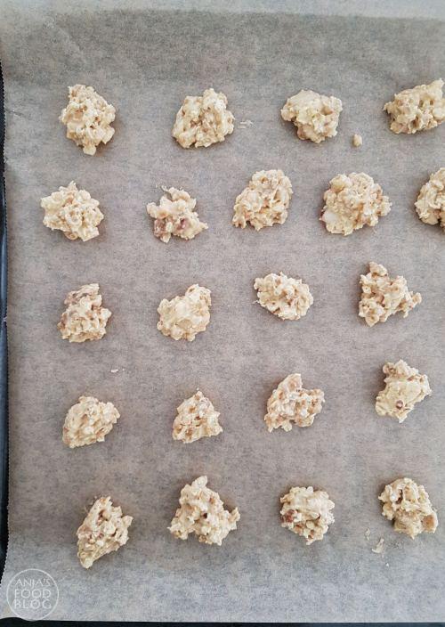 Deze crunchy havermoutkoekjes met noten zijn makkelijk te maken en bovendien snel klaar. Ideaal als je snel een lekker koekje wil bakken. Het geheime ingrediënt: cruesli!