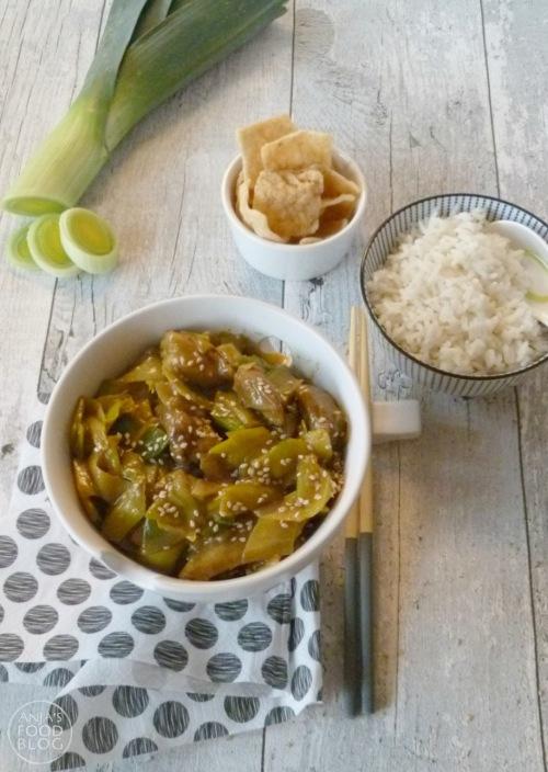 Kip en prei combineren heerlijk met kerrie en kokosmelk. Ga voor deze snelle versie en je zit na een half uur aan tafel. Je kunt dit gerecht prima vegetarisch en vegan maken door een vleesvervanger te gebruiken.